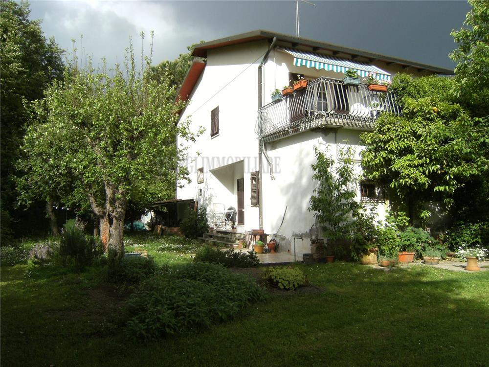 Massa Vendita Villa Ronchi rif: 485