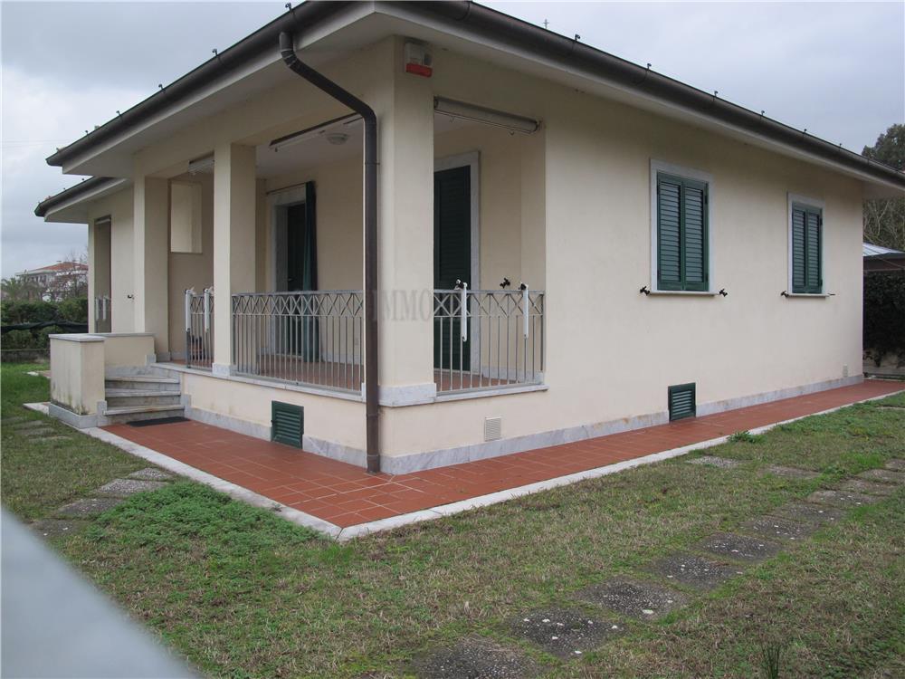 Massa Vendita Villa Singola Marina Di Massa rif: 781