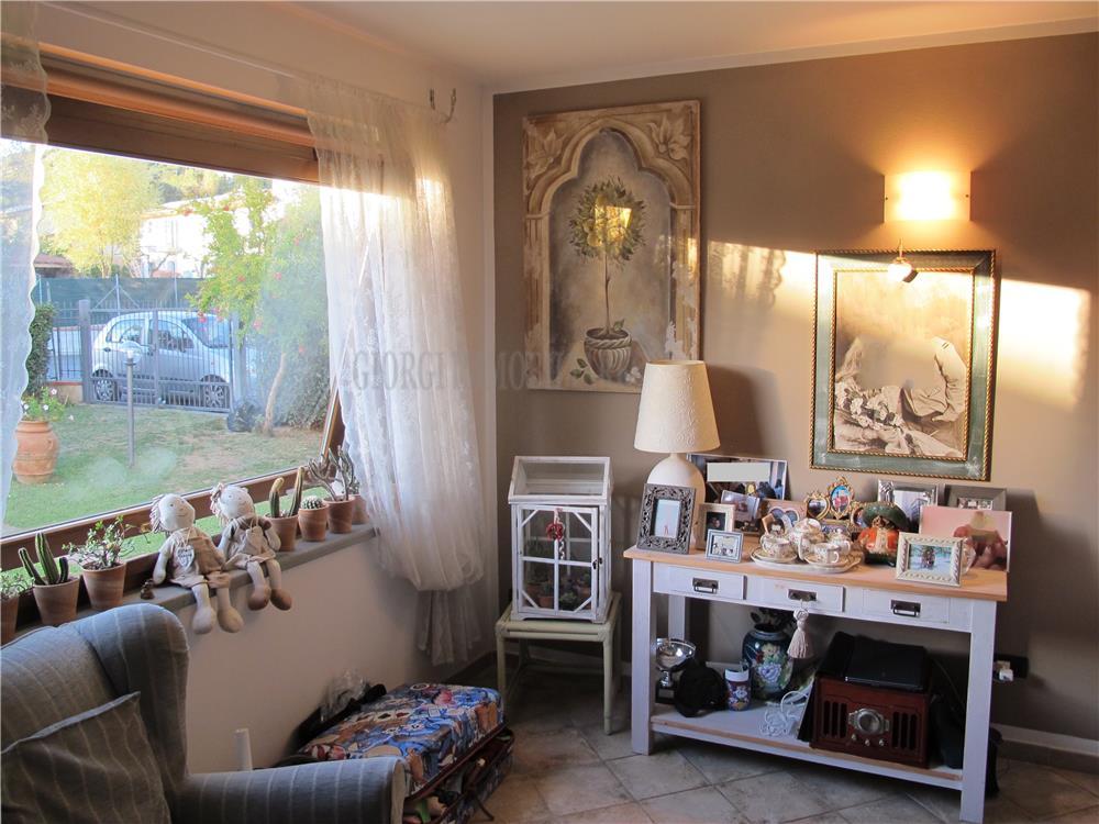 Massa Vendita Casa Bifamiliare Romagnano rif: 1022