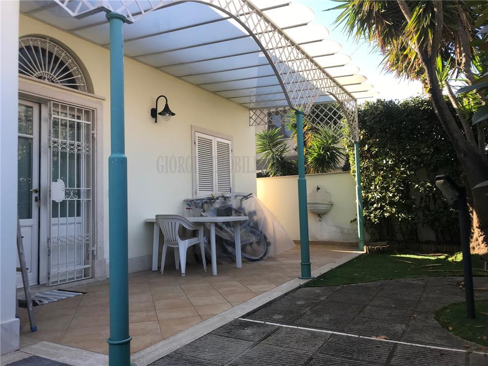 Massa Vendita Villa Marina Di Massa rif: 1221