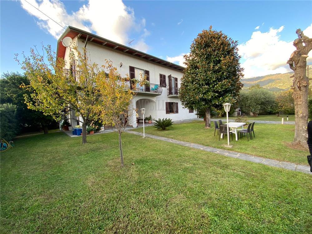 Montignoso Vendita Villa Bifamiliare Cervaiolo rif: 1291