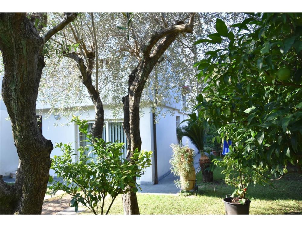 Massa Vendita Villa Bifamiliare Marina Di Massa rif: 1342