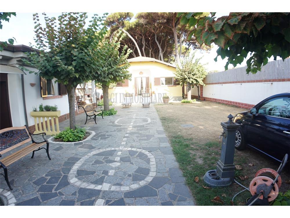 Massa Vendita Villa Singola Marina Di Massa rif: 1376
