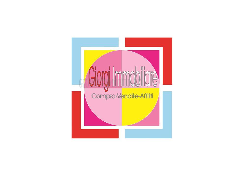 Carrara Vendita Attività Commerciale Centro città rif: 690
